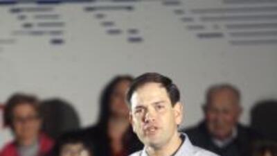 El candidato republicano a la presidencia, Mitt Romney, remató hoy su ca...