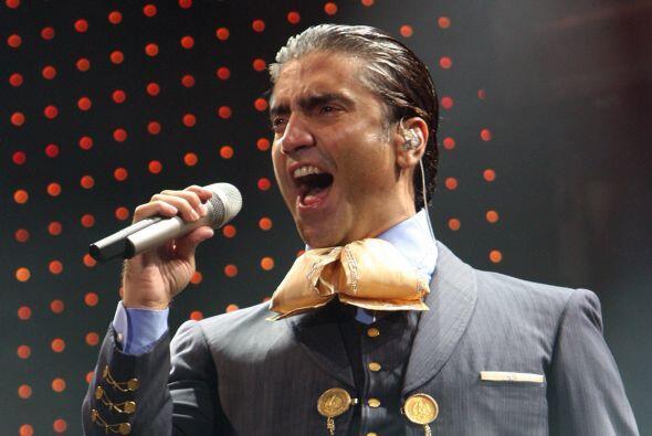 Y si de clases de canto se trata, qué mejor que Alejandro Fern&aa...