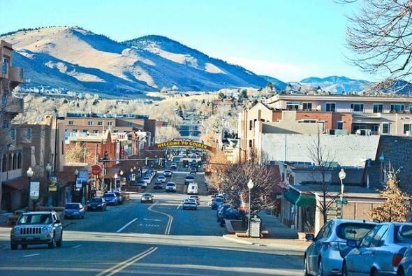 5. COLORADO. Si lo tuyo es viajar para esquiar en la nieve, el autor de...