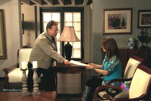 Osvaldo corrió hasta la casa de Camila para entregarle la última volunta...