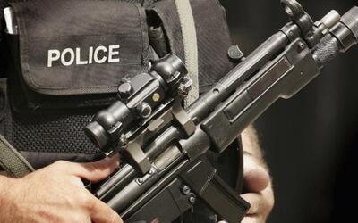 Aprueban disminuir la cantidad de ocasiones en las que agentes de policí...