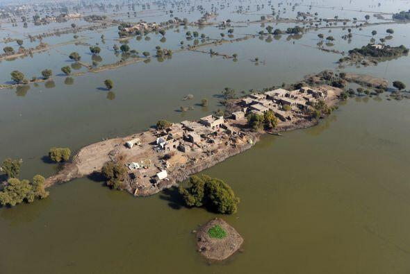 Pakistán se cubrió de agua con las inundaciones de julio a...