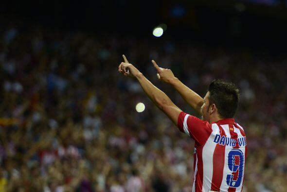 Villa no dudó en festejar el gol con la afición de su nuevo equipo, pues...