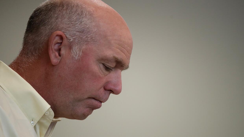 Presentan cargos contra Greg Gianforte por golpear a un periodista que l...
