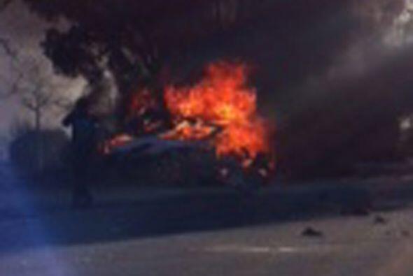 Inmediatamente el auto explotó, dejando a Walker y Rodas atrapado...