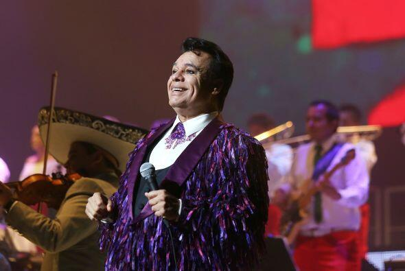 """El """"Divo de Juárez"""" se presentó en el Teatro Nok..."""