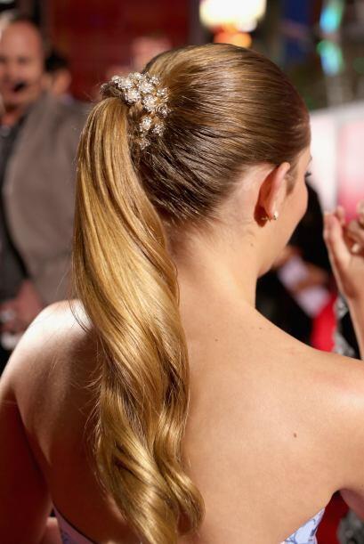 El cabello recogido es un peinado clásico que puede usarse en las fiesta...