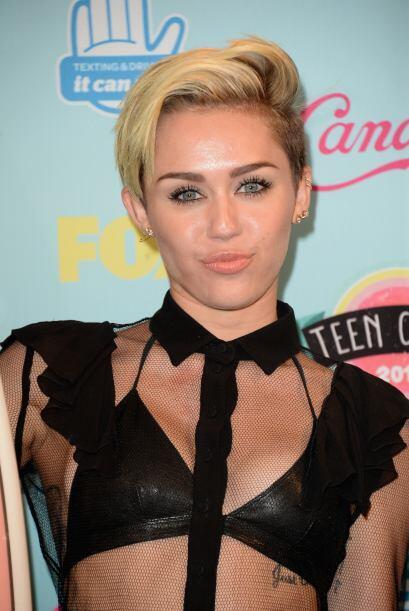"""Ni el """"Pájaro Loco"""" ha perdido tanto la cabeza como Miley y sus múltiple..."""