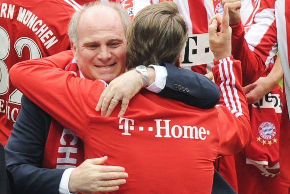 El abrazo entre el técnico y el manager fue muy emotivo.