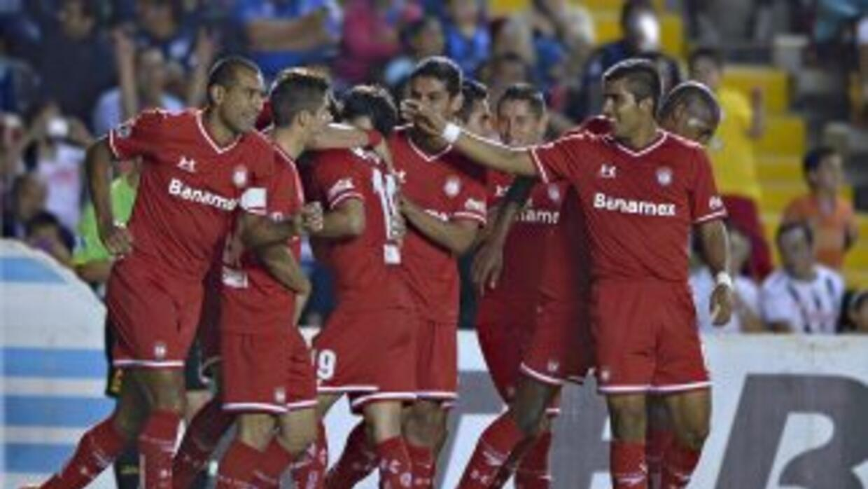 Toluca se impuso en Querétaro gracias a dos goles de cabeza.
