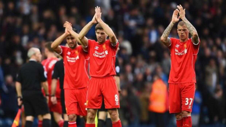 El legendario mediocampista inglés jugó su partido 500 con el Liverpool.