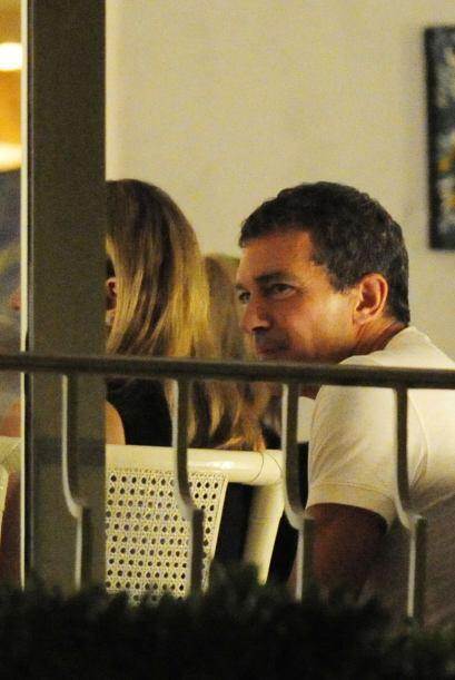 Antonio Banderas sacó su lado seductor.Mira aquí los video...