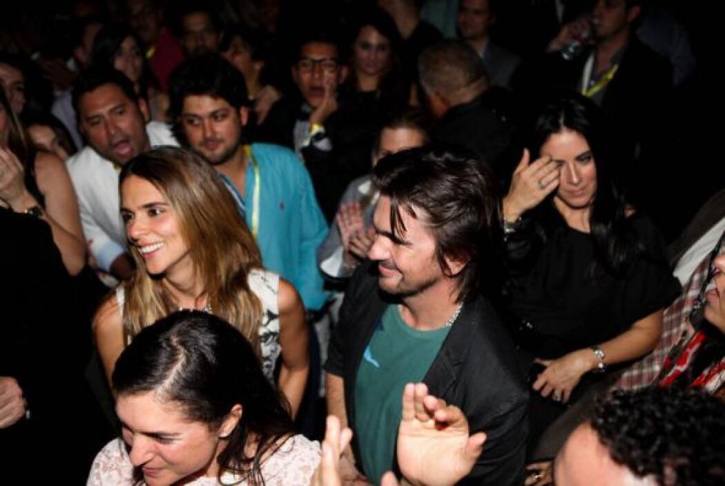 Juanes apoyando a su compatriota Colombiano