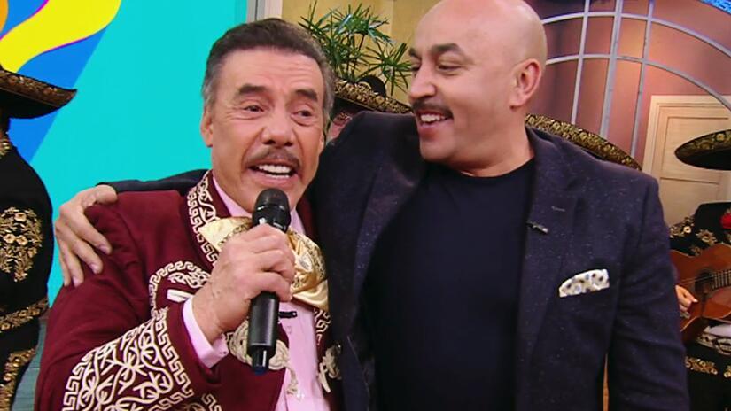 Don Pedro Rivera llegó de sorpresa para recordar tiernas fotos de la inf...