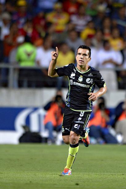 Anotó los goles de Santos ante Morelia al 40' y al 56', uno de ti...
