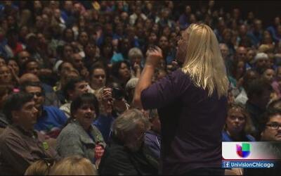 Gritos sin soluciones en Waukegan por huelga de maestros