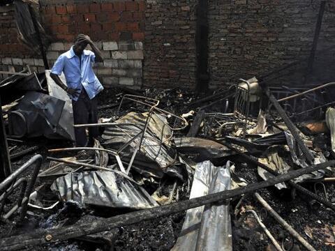 Un incendio destruyó alrededor de 20 viviendas en un barrio pobre de Cal...