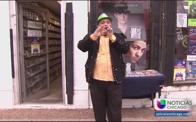 Hispanos en Chicago rinden tributo a Juan Gabriel