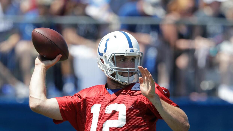El primer día de entrenamiento de Andrew Luck con los Colts en 2016