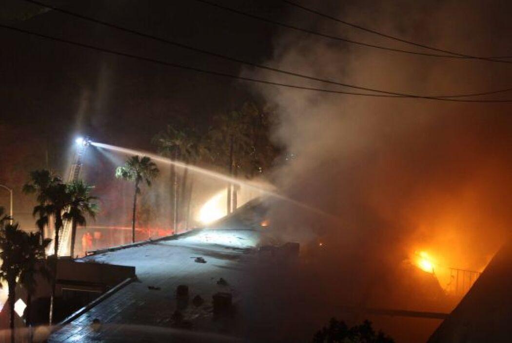 Por el momento no se ha informado de que los fuegos hayan dejado heridos...