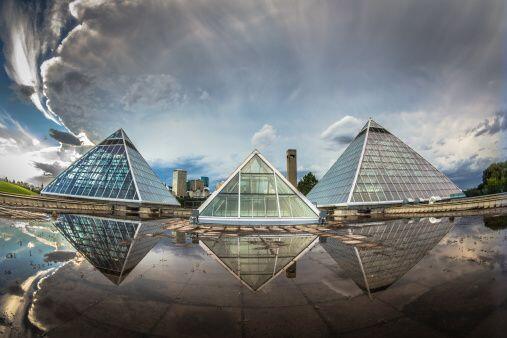 Las pirámides de latón y aluminio se consideran muy buenas...