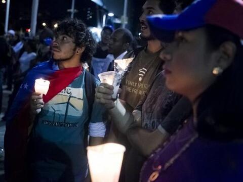 Este jueves los estudiantes convocaron una marcha que se realizó con vel...