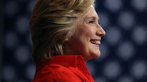La candidata presidencial demócrata Hillary Clinton en un acto de campañ...