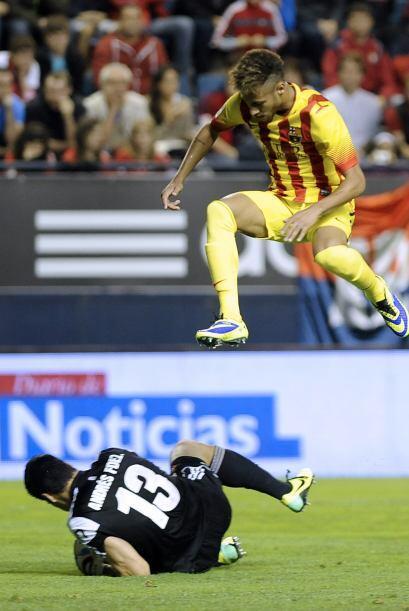 Neymar tuvo algunas oportunidades pero le faltó la suerte final.