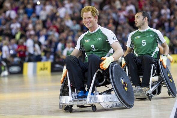 Seguramente Harry quedó impresionado con los atletas con los que...
