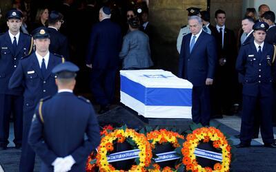 Fotos de Noticias peres-funeral.JPG
