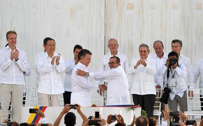Colombianos se preparan para votar por la paz de su país