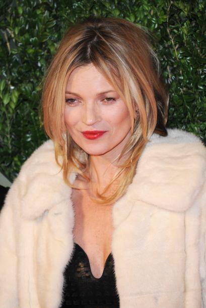 Kate Moss siempre intenta estar a la moda, y su peinado no es la excepci...