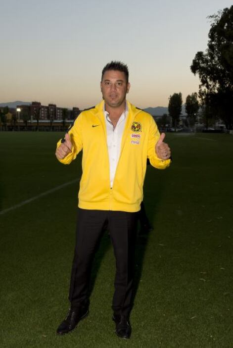 José Luis Trejo, DT Pumas, presume una estrella en el Clausura 2006 con...