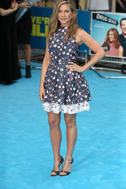 Otra que tiene una caballera para presumir es Jennifer Aniston.