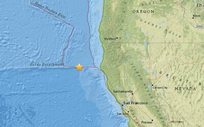 Un sismo de 6.5 grados en la escala de Richter sacudió la costa noroeste...