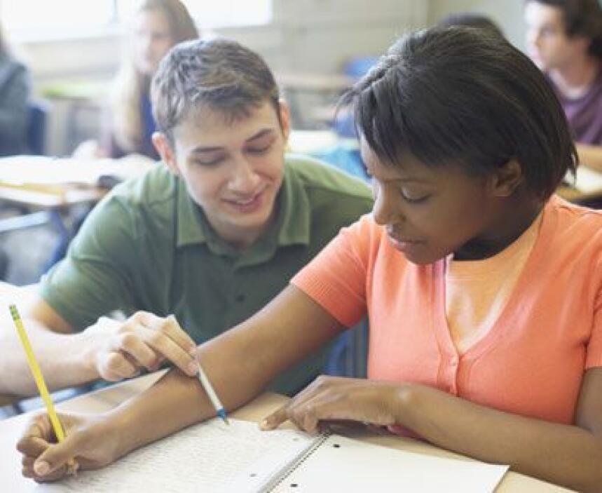 IDIOMAS. La formación educativa que hoy en día reciben los estudiantes d...