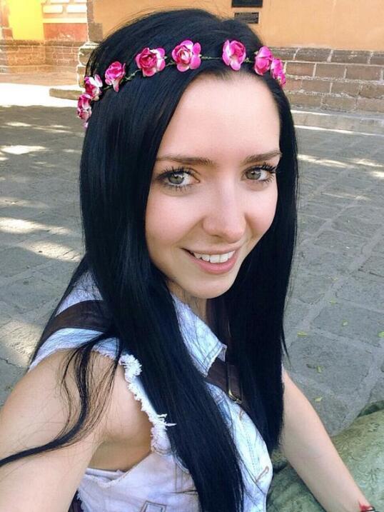 La novia de José Eduardo Derbez es súper fan de Victoria Ruffo ADYCA7.jpg