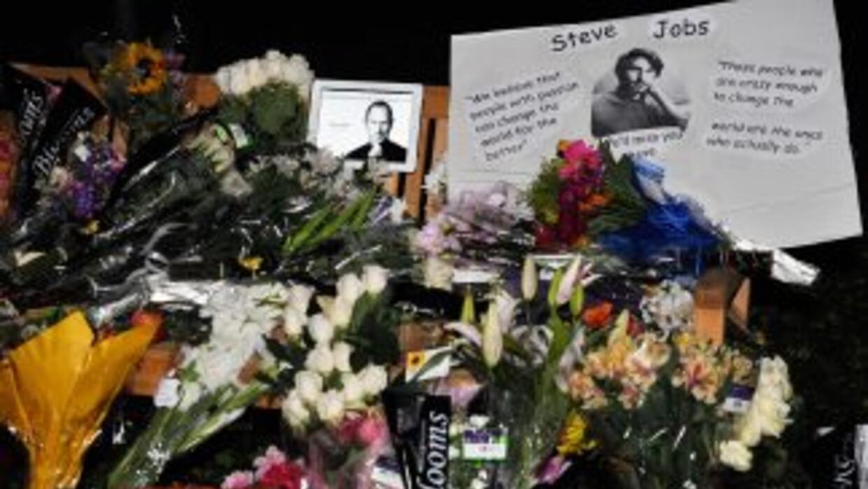 Fanáticos de todas las nacionalidades rindieron homenaje al visionario e...