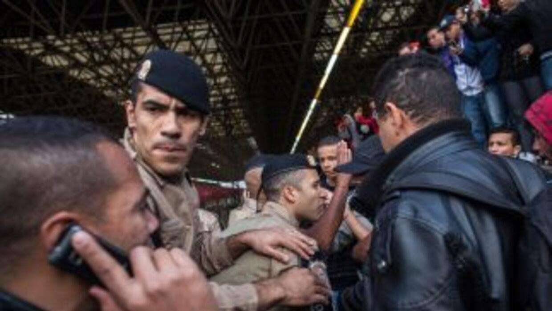 A sólo tres días del Mundial, los trabajadores del metro de Sao Paulo si...