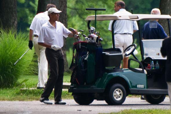 Obama dio palmadas en la espalda a éste cuando se dirigían...