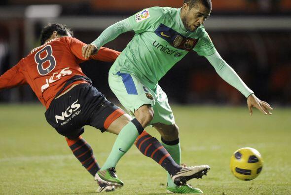 El lateral derecho brasileño, Dani Alvez, fue salida permanente p...