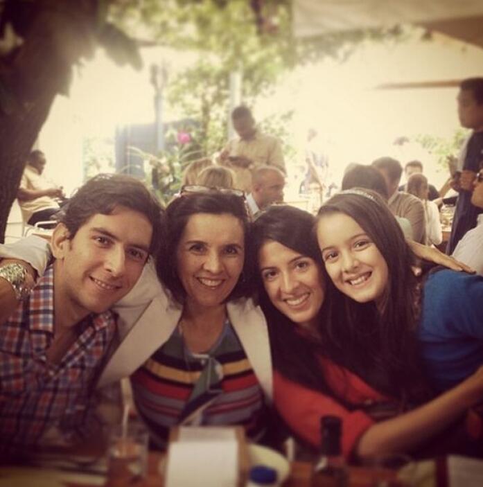 """""""¡Casi casi toda la familia reunida! #familia #feliz #minivacaciones"""", c..."""