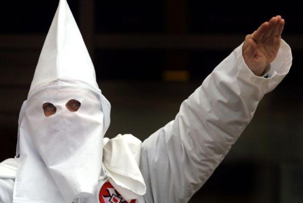 En 1915, el Ku Klux Klan, el movimiento racista que predicaba la suprema...