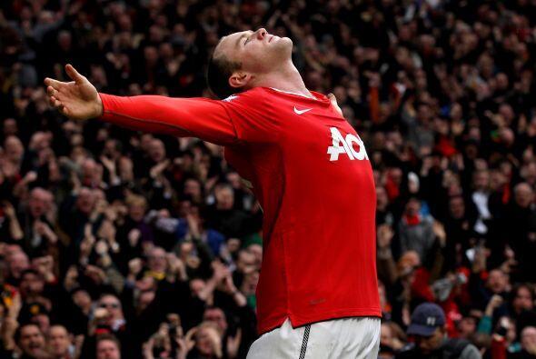 Manchester United ganó 2 a 1 y es más puntero que nunca.