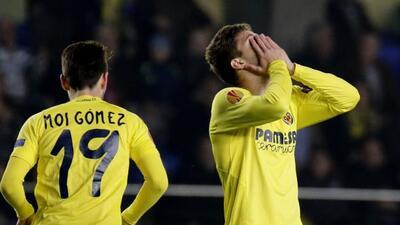El conjunto amarillo tuvo una mala tarde ante el Sevilla y dejó imposibl...