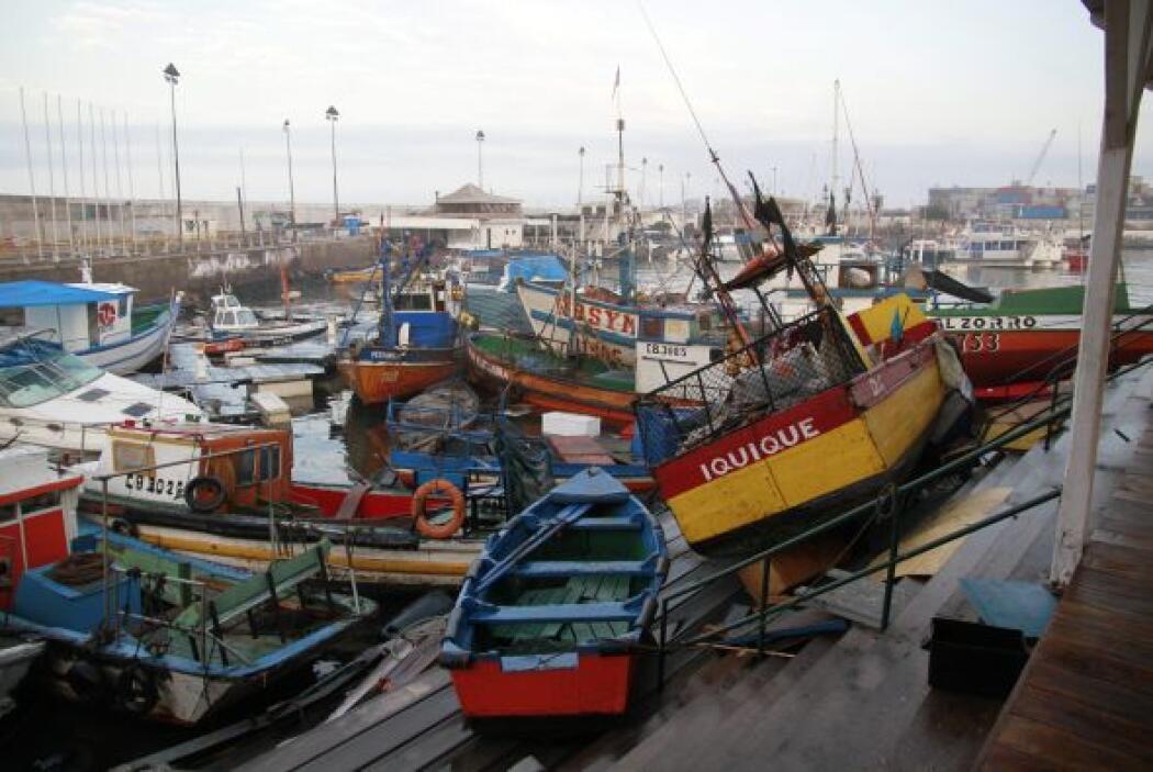 Otro aspecto de las embarcaciones en Iquique, Chile.