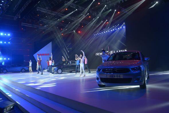 El nuevo coche C_Elyse se dio a conocer en una ceremonia de inauguraci&o...