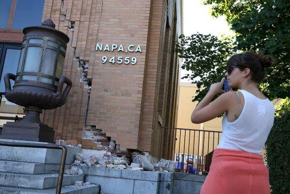 En la ciudad de Napa el sismo dejó daños aún por ev...