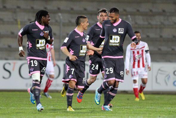 Capoue fue el salvador del Toulouse en el duelo ante el Ajaccio gracias...