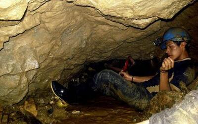La búsqueda de dos mineros en un yacimiento de Ecuador prosegue con la e...
